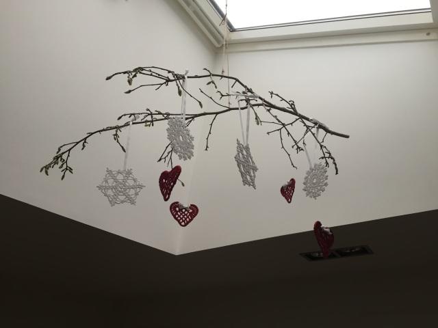 Hæklet julehjerter og snefnugs