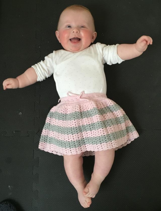 Hæklet baby nederdel